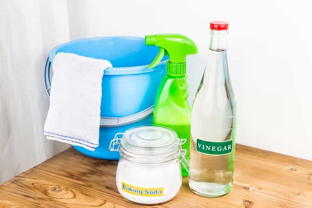 Orenda Home Garden_How to Clean with Baking Soda and Vinegar